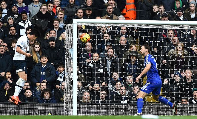 26' Kane's brilliant cross finds Son but his header is saved by Begovic. Good attempt!