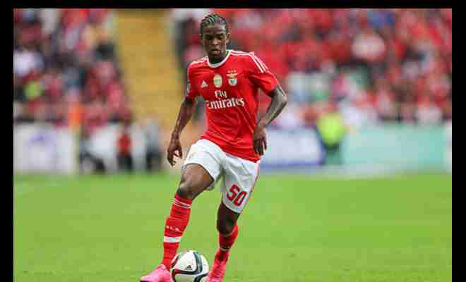 Mourinho eyes £35 million Benfica raidManchester United are eyeing the signing of Benfica defender Nelson Semedo. United are also trying to sign Semedo's £38million rated team-mate Victor Lindelof.Mirror Footballsays the talks between Semedo and United representatives have commenced. But it is also understood that there any deal will happen only in the summer as Benfica do not want to lose their player in this window.