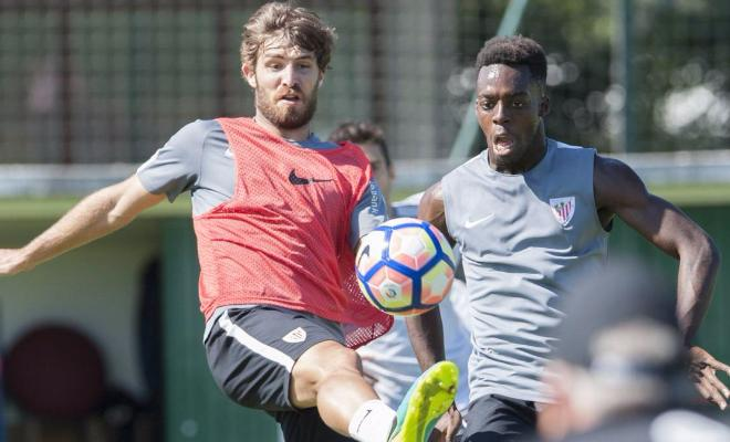 Bilbao defender successfully operated uponAthletic Bilbao's young defender Yeray Alvarez, who was diagnosed with testicular cancer last week, has successfully undergone a surgical procedure.Yeray underwent an orchiectomy and Athletic described the procedure