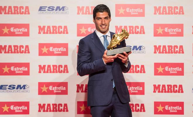 SUAREZ - IF I DON'T WIN THE GOLDEN SHOE NEXT YEAR, MESSI OR NEYMAR WILLThe Barcelona forward was awarded the Golden Boot last night for a stunning 2015/16 season and speaking after the award Suarez said: