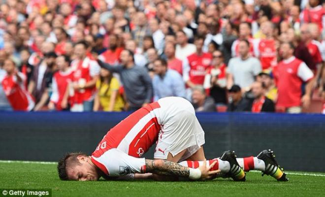 Arsene Wenger has confirmed that defender Mathieu Debuchy is out for six weeks with a hamstring injury. The Frenchman has only made a single appearance for Gunners this season and is expected to be unavailable till New Year.