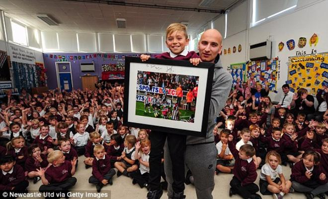 JONJO SHELVEY VISITS THE SCHOOL OF THE BOY HE CELEBRATED 4-3 WIN WITHJoshua, the boy who Shelvey celebrated with, said: