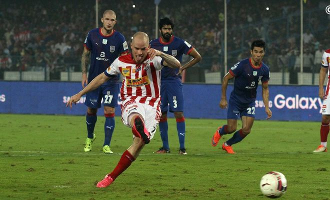 GOOOAL! Ian Hume does well to put the ball into the net in a calm fashion down the right side as he scores the 162nd goal of the Indian Super League.