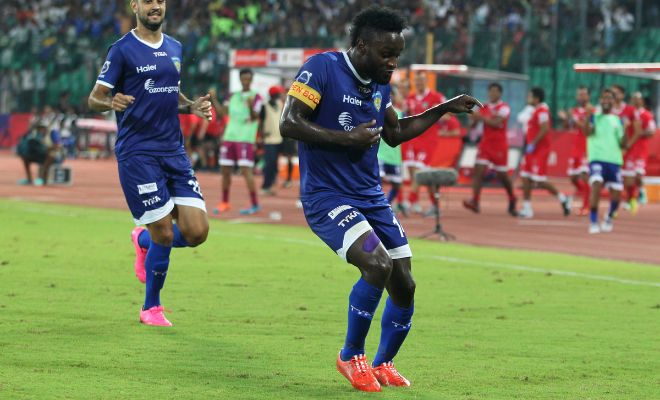 GOOOAL! Mendoza scores the first goal of the match whose shot goes past the keeper and the last Delhi defender before finding the net. Poor keeping from Doblas there. Shouldn't have come out of his position.