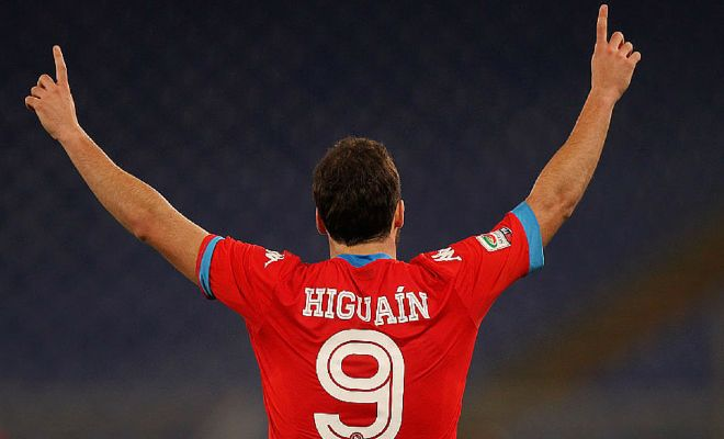 HIGUAIN REJECTS £800k OFFER!Gonzalo Higuain has reportedly rejected a massive contract offer from Chinese club, Hebei China Fortune.Arsenal are keen on signing the Argentine striker, while Chelsea and Atletico Madrid are also keeping tabs.
