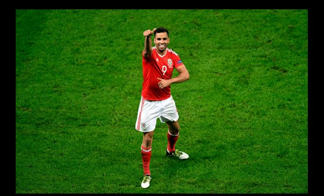 HAL to HULL?Hal Robson-Kanu has surely learned how to teleport.The rumors have flown him from England to all over mainland Europe, then China and now is back to England.Steve Bruce is keen to sign Hal Robson-Kanu who is now free agent for Hull City next season. He will be competing against Premier League rivals Swansea, Watford, Burnley and Middlesborough for the striker's signature. Two goals at the EURO 2016 and being a free agent can do this? I need another explanation!