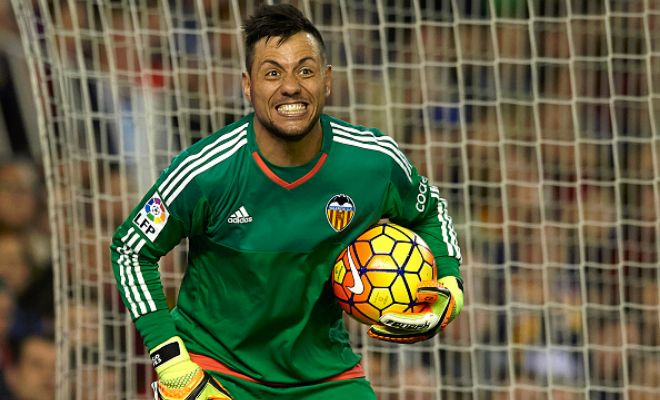 Barca set to sign Diego Alves? Barcelona are looking forward to Valencia's goalkeeper Diego Alves as a replacement for Claudio Bravo who is close to joining Man City