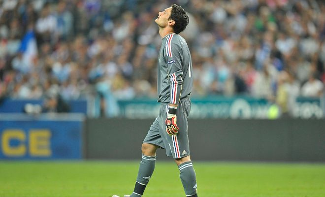 Bad news for Spurs!!Hugo Lloris will be out for upto 4 weeks after he sustained an injury on Saturday