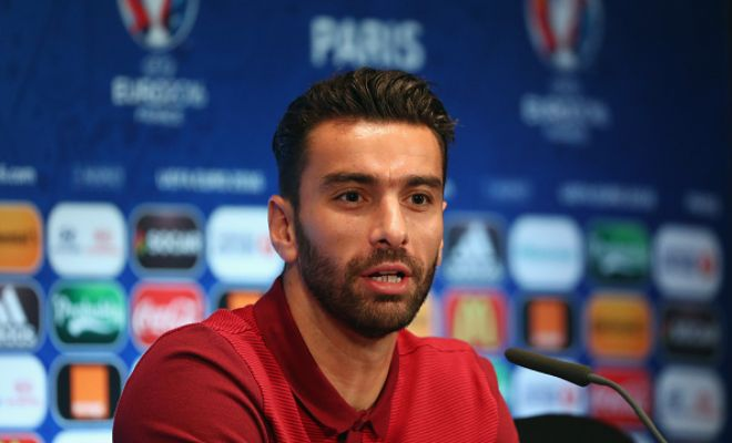 RUI TO TOFFEES!?Rui Patricio reportedly wants to move to the Premier League this summer and Everton are said to be interested in signing him!Ronald Koeman is looking to sign agoalkeeper this transfer window, will Rui Patricio be the answer?
