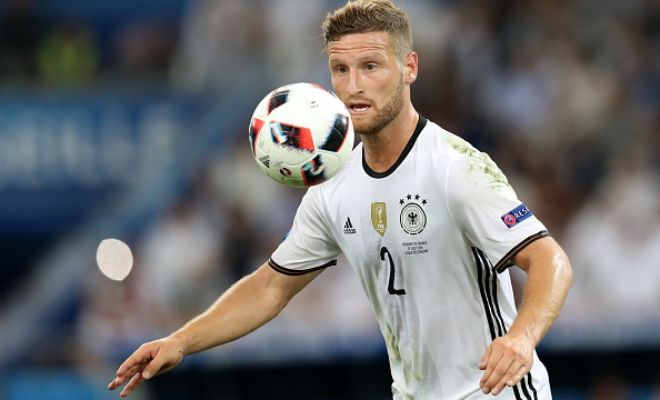 MUSTAFI TO ARSENAL?Rumours of Arsenal signing the Valencia centre-back are on the rise. Shkodran Mustafa has a release clause of £50 million but Valencia are willing to hear offers even around half the release clause.
