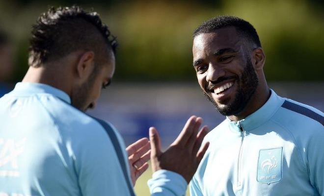 HAMMERS FAIL WITH LACAZETTE BIDWest Ham failed with a bid of over £40m for Lyon striker Alexandre Lacazette this summer, according to the French club's president. The striker who is now out for three months is linked to both West Ham and Arsenal.
