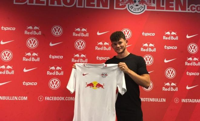 CAN'T BUYERN NOTTINGHAM PLAYERBundesliga side RB Leipzig have signed Nottingham Forest's Oliver Burke for reported fee of €12m on a five year deal. The player was previously linked to Bayern Munich.