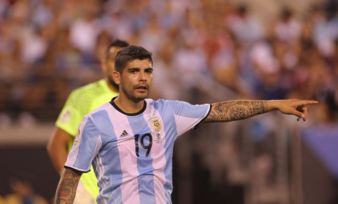 Free transfer (f)ever!Inter Milan have signed Argentinian midfielder Ever Banega from Sevilla.He is the second successful player of recent times to have been let go on a free transfer after Zlatan Ibrahimovic.Banega, spent two seasons at the spanish club helping them win the hat-trick of UEFA Europa League.