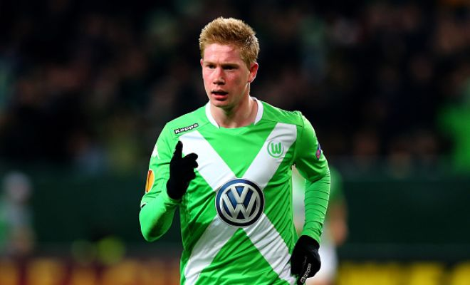 Manchester City are set to offer Wolfsburg midfielder Kevin De Bruyne a six-year deal worth £53m to move to the Etihad. (Star)