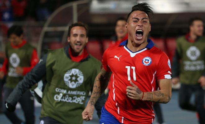 Arsenal now stand as the main contender to sign Eduardo Vargas from Napoli with Alexis Sanchez convincing his Chilean teammate to go ahead with the move. £11.3 million is said to be the fee. (Metro)