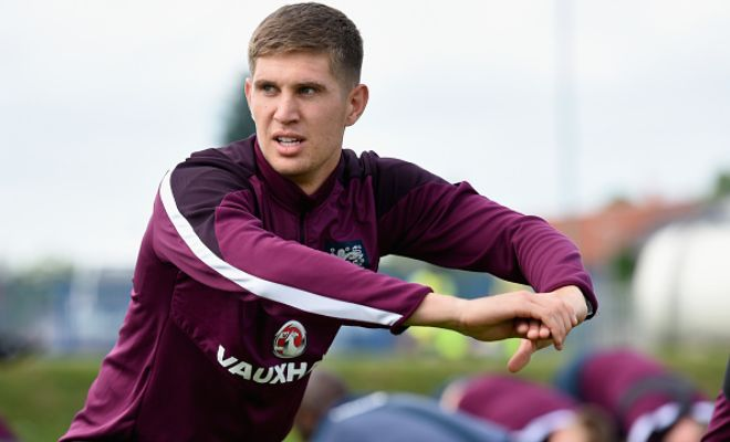 Chelsea are ready to submit a third offer to Everton of £30m for the English centre-back John Stones. [Daily Mirror]