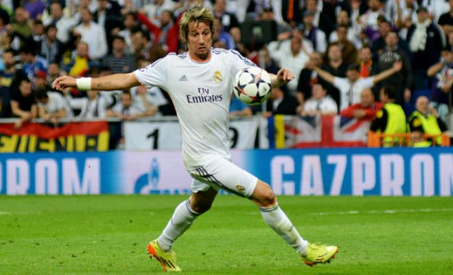 Real Madrid full-back Fabio Coentrao is close to completing a move to Portuguese club Benfica. [Corriere dello Sport]