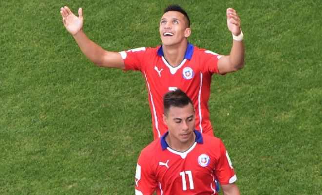 Premier League side Arsenal continue to be linked heavily with Chile's Eduardo Vargas with their star winger Alexis Sanchez said to be acting as a catalyst. (Corriere dello Sport)