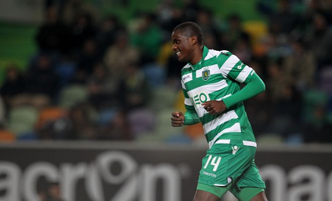 Real Madrid and city rivals Atletico are still interested in signing Portuguese midfielder​ William Carvalho despite his recent injury. [A Bola]