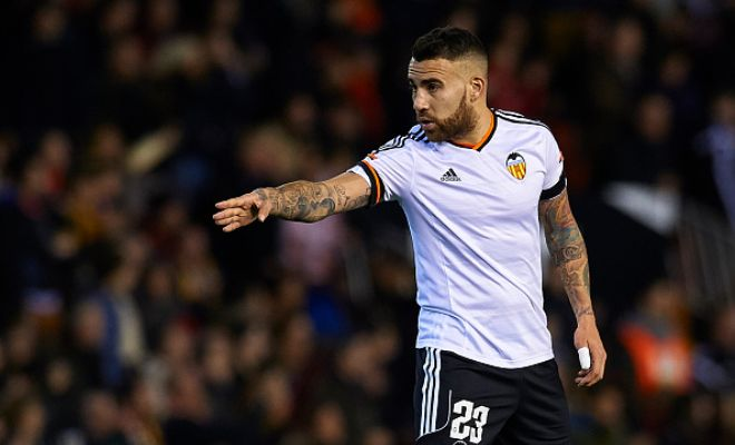 Valencia centre-back Nicolas Otamendi, who has been Manchester United's prime target this summer, is also generating interest from German giants Bayern Munich. [Superdeporte]