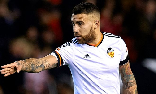 Nicolas Otamendi asked to be excused from training at Valencia on Friday. Both Manchester clubs are interested in the defender. [AS]