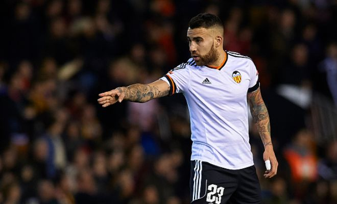 Manchester City are close to completing the signing of Argentine defender Nicolas Otamendi from Valencia. [Daily Mirror]