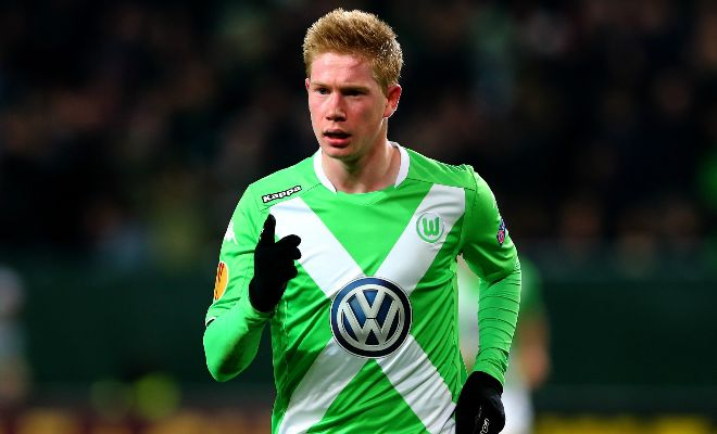 Manchester City will have to pay £45m to land Belgian midfielder Kevin de Bruyne from Wolfsburg. [Guardian]