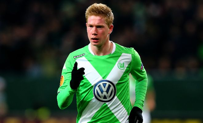 Manchester City have upped the ante and are willing to pay a hefty sum to land Wolfsburg midfielder Kevin De Bruyne. [Daily Mirror]