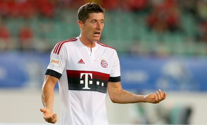 Bayern Munich star Roberto Lewandowski is being considered to be Arsenal's new target if their talks with Real Madrid for striker Karim Benzema break down. (Metro)
