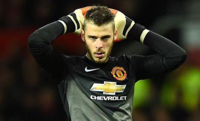 Manchester United are ready to reject Real Madrid's opening bid of £22 million and push for a £35 million fee for David de Gea. [Daily Mail]
