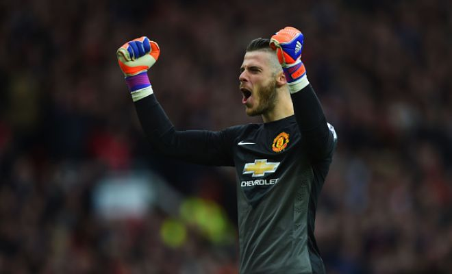 David De Gea has been offered a six-year contract by Real Madrid with a yearly salary of €5.5m. (ABC)