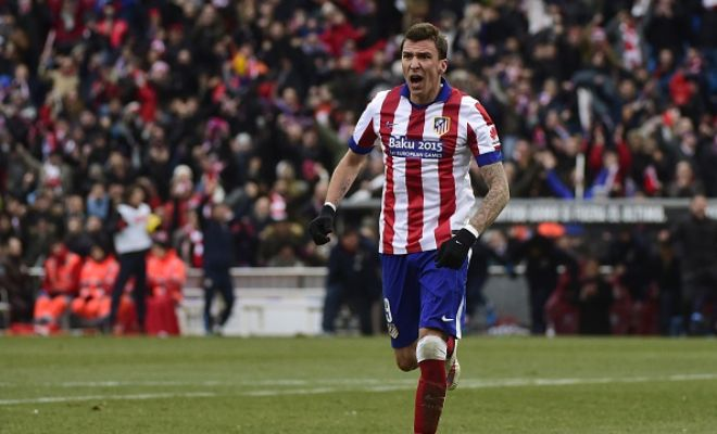German club Wolfsburg are interested in signing Mario Mandzukic and face a battle with Liverpool and Manchester United. (AS)