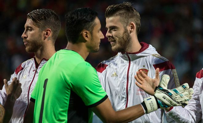 Manchester United goalkeeper David De Gea has told his team-mates that he wants to leave the club for Real Madrid. (Daily Mail)