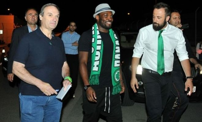DONE DEAL! Ghana midfielder Michael Essien has finalized his move to Greek side Panathinaikos FC by signing a two-year deal.