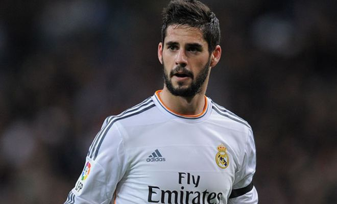 Manchester City wants to sign Real Madrid midfielder Isco this summer. [Daily Mirror]