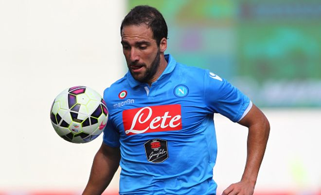Napoli have set striker Gonzalo Higuain's value at €50m after rejecting a €40m bid from Arsenal. (Gazzetta dello Sport)