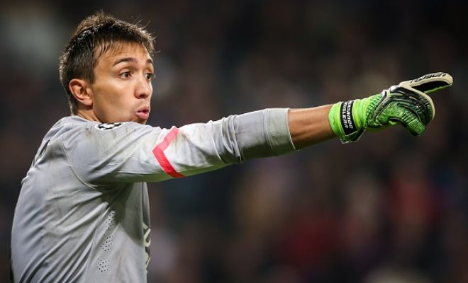 Manchester United have shortlisted Galatasary goalkeeper Fernando Muslera as a possible replacement for David De Gea. (Metro)