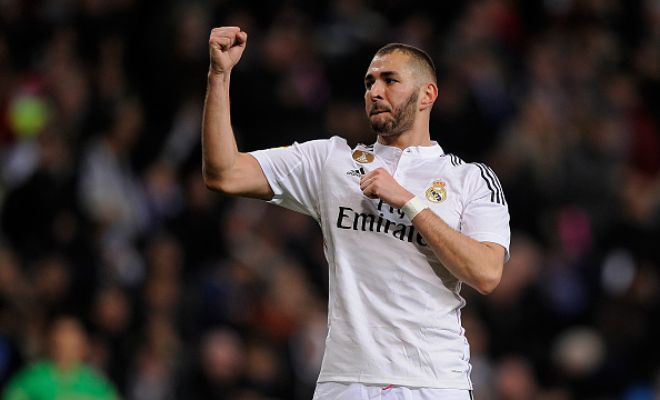 Karim Benzema will stay at Real Madrid as he is not interested in joining Manchester United. (Sun)