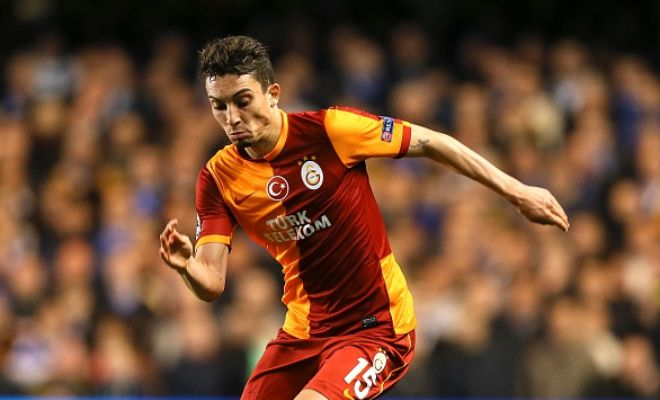 Chelsea are looking at Galatasaray youngster Alex Telles as a possible​ replacement for Filipe Luis. [Sun]