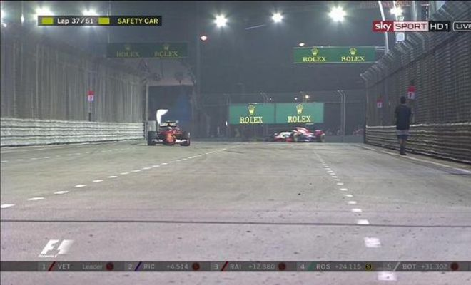 Your 'Happy Wanderer' at the Marina Bay Circuit, who just so casually has caused the safety car to be deployed.