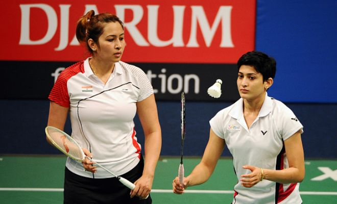 India's Jwala Gutta and Ashwini Ponnappa progressed through to the semifinals of the US Open Grand Prix Gold with a 21-17 21-14 quarterfinal win over the German pair of Johanna Goliszweski and Carla Nelte in 32 minutes.