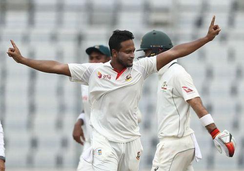 Bangladesh v Australia - 1st Test: Day 2