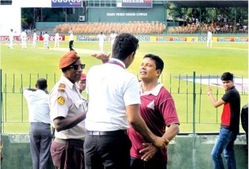 Drunk Sri-Lankan fan