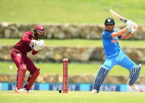 One of the many instances when MS Dhoni hit a last ball six