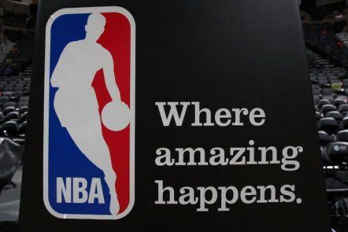 Dallas Mavericks v San Antonio Spurs, Game 1