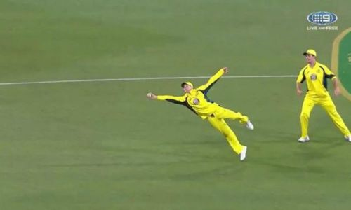 Australia's Smith taking a one-handed catch