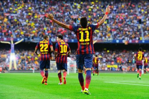 Neymar Jr. celebrating his first goal against Real Madrid