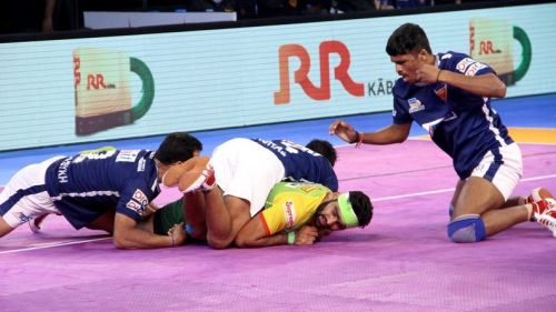 Dabang Delhi gave one of their worst performances of this season in front of their home crowds