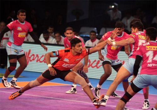 Srikanth Jadhav picked up 12 points in the match against the Patna Pirates.