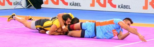 Maninder Singh spearheads the attack for the Bengal Warriors.